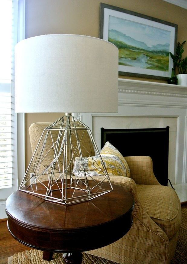 the redesign company table lamp